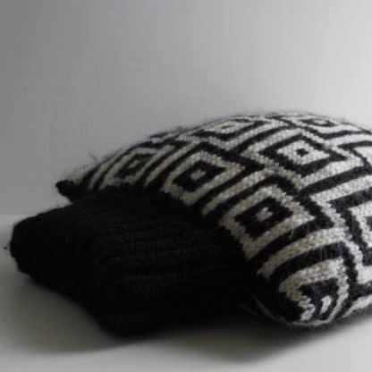 tricoter un coussin avec col roulé