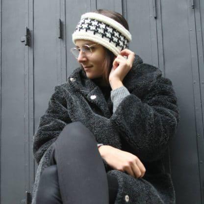 patron de tricot pour un #headband d'hiver avec un motif #jacquard pied de poule