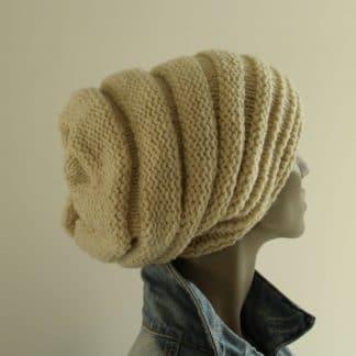 patron pour tricoter un bonnet slouchy avec de la pure laine 100% française produite en circuit court